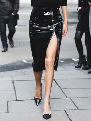 The Trick Behind Pulling Off a Zip-Front Skirt