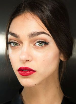 The Beauty Looks From Dolce & Gabbana F/W 2015 Are Pure Romance