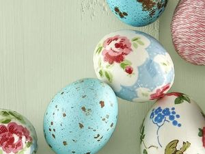 9 Pretty and Unusual Ways to Decorate Easter Eggs
