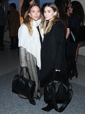 Step-by-Step Instructions to Master Mary-Kate Olsen's Scarf Look