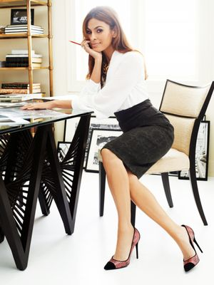 Eva Mendes Reveals the Fashion Blogger She's Borderline Obsessed With