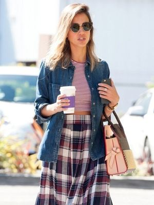 Jessica Alba Makes Mixing Prints Look Easy