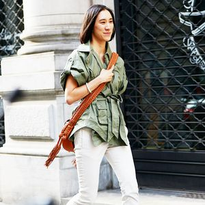 How Cool-Girls Wear Clogs