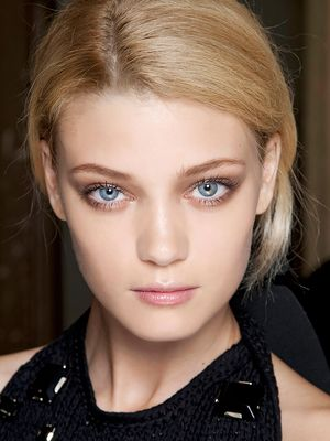 Have Blue Eyes? This is the Prettiest Eye Makeup for You