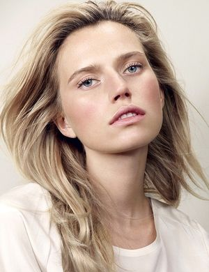 4 Light And Airy Beauty Looks To Try Now