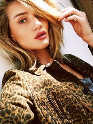 Would You Wear It? Rosie Huntington-Whiteley's Seashell Necklace