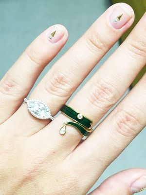 The 10 Fashion Insiders With the Prettiest Engagement Rings