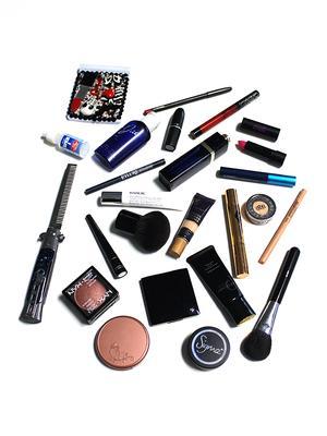A Celebrity Makeup Artist Reveals Her Kit