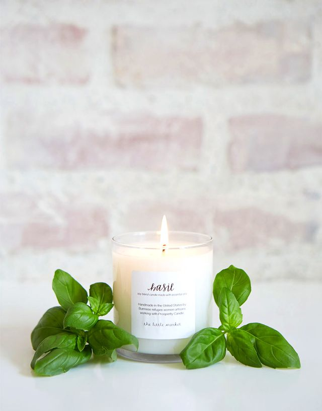 What Your Favorite Candle Scent Says About You pics