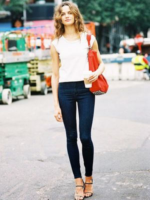 5 Issues Every Girl Has With Skinny Jeans (and How to Fix Them)