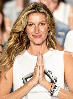 Gisele Celebrates 20 Years In Fashion With Stunning Vogue Brazil Cover