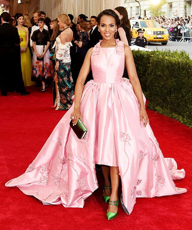 WHO: Kerry Washington WEAR:Prada clove pink silk faille open-back gown with bow accented shoulders; Harry Winston earrings and ring; Prada clutch and sandals.