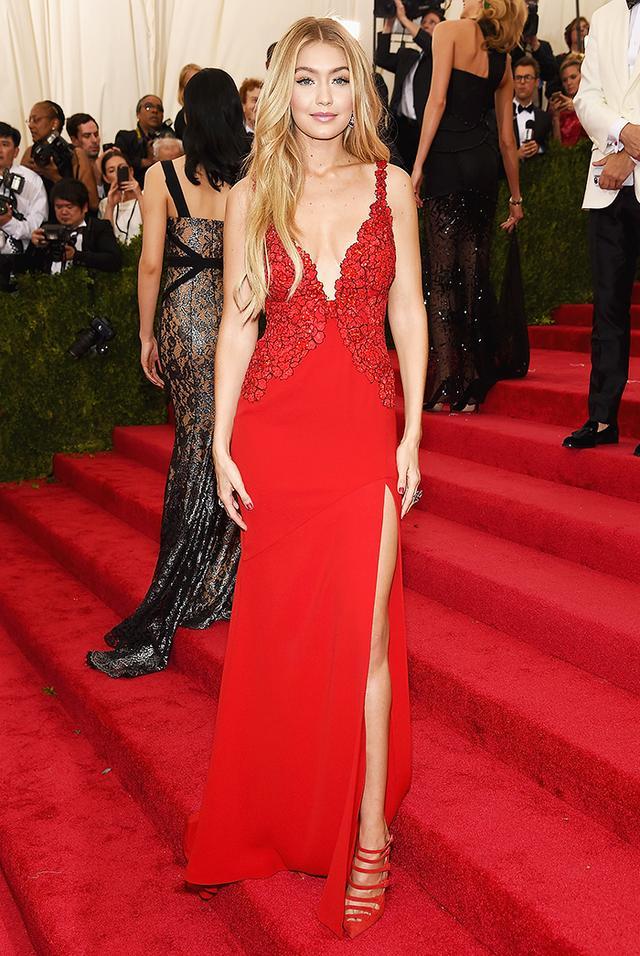 WHO: Gigi Hadid WEAR: Diane von Furstenberg dress.
