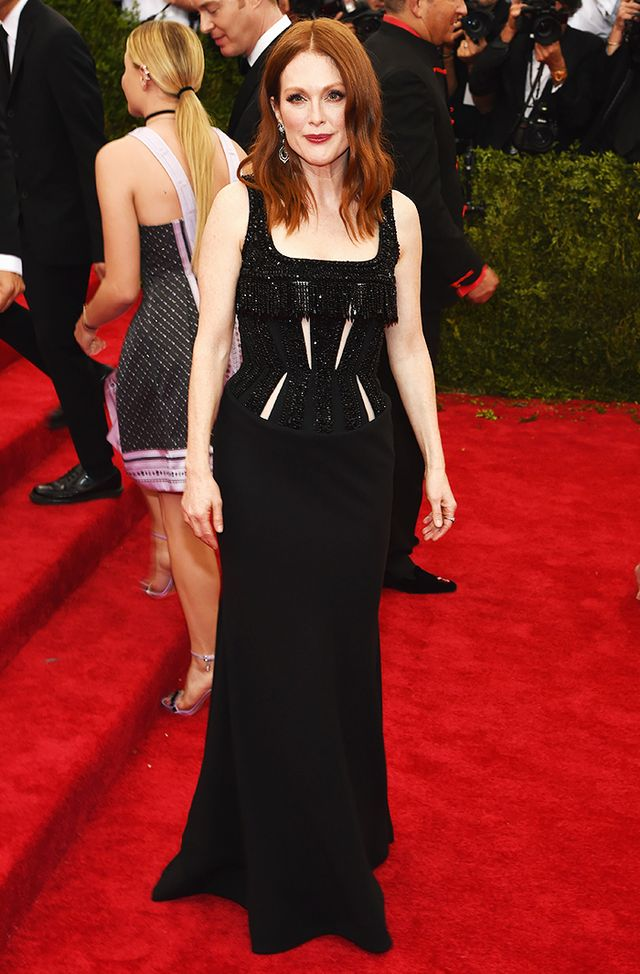 WHO: Julianne Moore WEAR: Givenchy Haute Coutire by Riccardo Tisci gown.