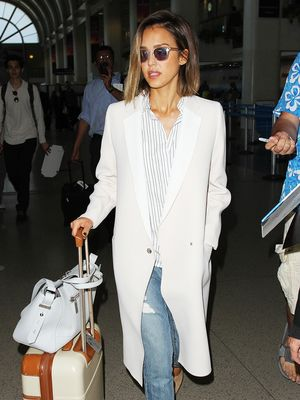 The Essential Elements of Any Cute Travel Outfit
