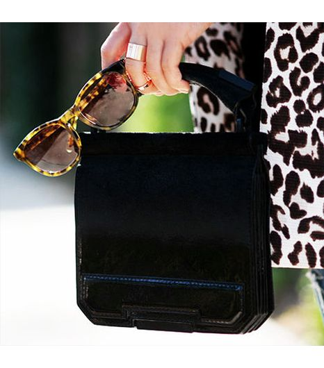 Halliedaily is wearing: Alexander Wang bag, Alexander Wang by Linda Farrow sunglasses.