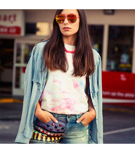 Martapozzan is wearing: Dr. Martens shirt, H&M sunglasses, Ella Moss shirt, Guess shorts.