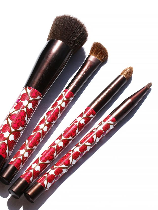 synthetic makeup natural brushes  promo.original.640x0c.jpg vs