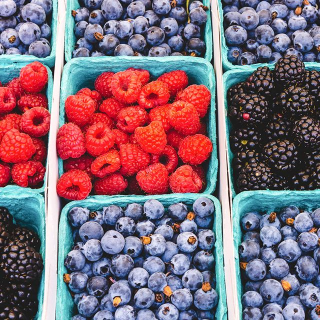 How to Shop the Farmer's Market Like a Chef