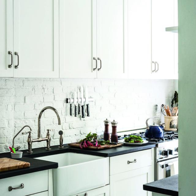 10 Urban Galley Kitchens We LOVE