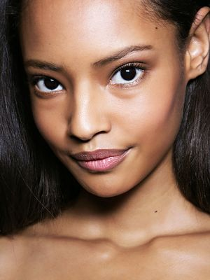 6 Makeup Artist Tips on How to Look Dewy (Not Sweaty) This Summer