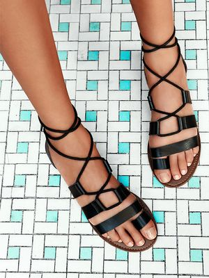 #TuesdayShoesday: Shop Our Favorite Flat Black Sandals