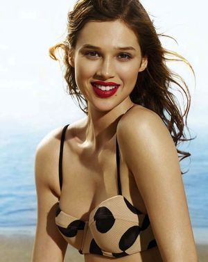Anais Pouliot Is A Beach Bombshell For Elle Canada