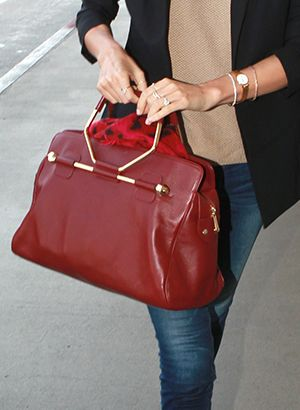 """The New Celebrity """"It"""" Bag Everyone Is Carrying"""
