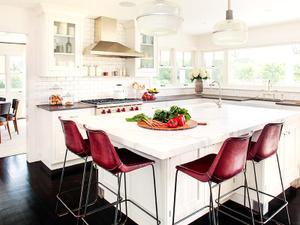 Home Tour: A Stylishly Neutral Hamptons Home