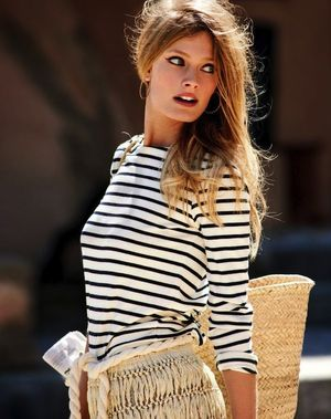 A Beach-Chic Way To Dress Up Your Striped Tee For Summer