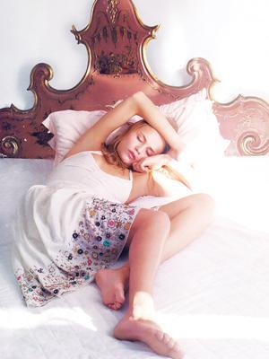 How I Finally Trained Myself to Sleep on My Back
