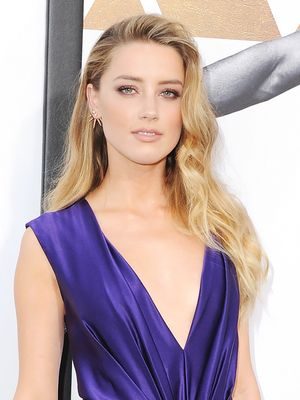 Get the Look: Amber Heard's Modern Take on Veronica Lake Hair