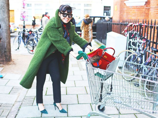 how one woman survived a yearlong shopping ban and came out debt free mydomaine. Black Bedroom Furniture Sets. Home Design Ideas