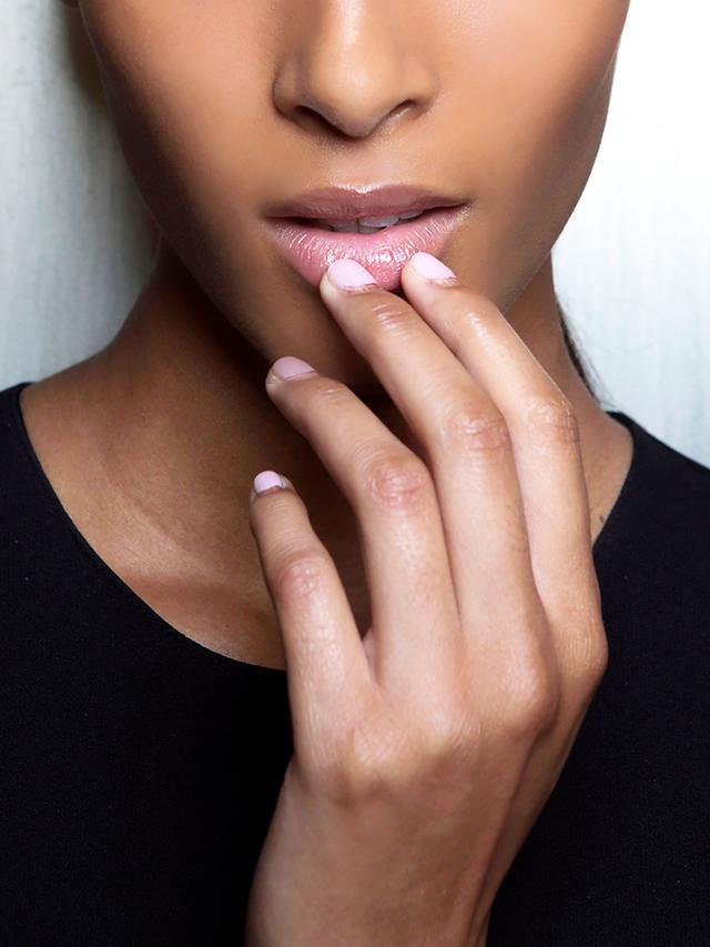 lips always peeling