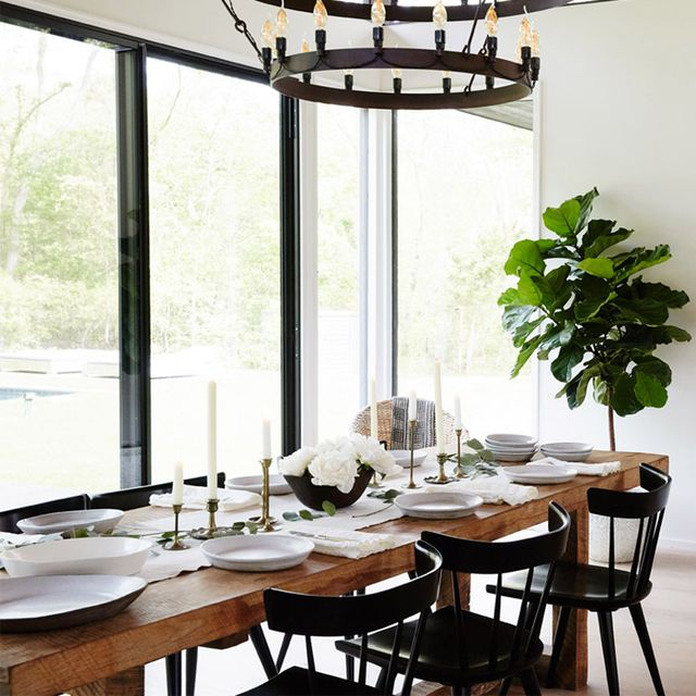 Get Inspired by a Cool Neutral Summer Dinner Party
