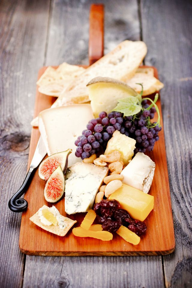 Put Together a Beautiful Cheese Platter