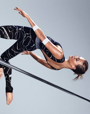 Karlie Kloss Shows How To Workout In Style