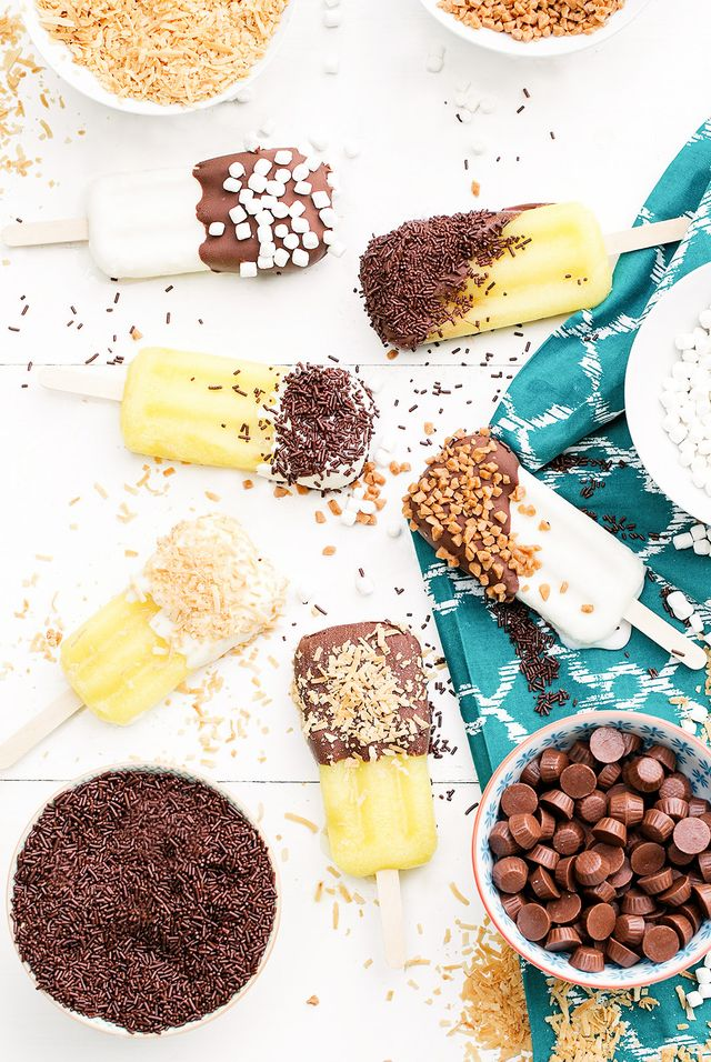 """""""At your next summer party, when it's time to serve dessert, wow your guests with this super-easy and charming mini popsicle bar!"""""""