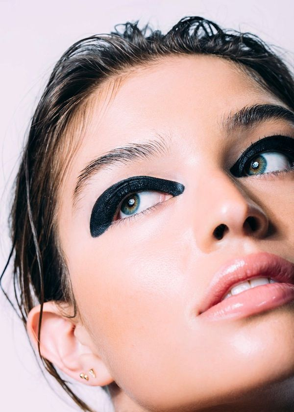 5 Incredibly Cool Graphic Eye Looks To Try Now