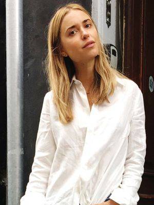 A New Way to Style Your Oversize Button-Down Shirt