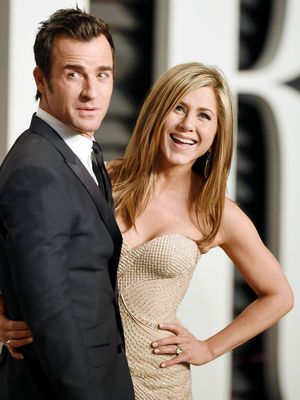 It's Official: Jennifer Aniston and Justin Theroux Are Married!