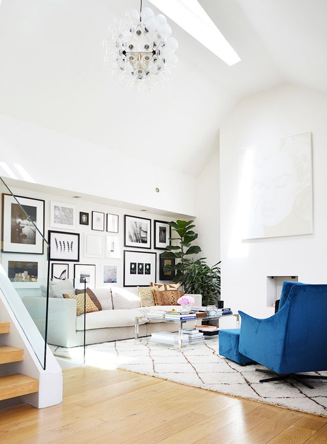 Tour the welcoming flat of an interior stylist mydomaine for Interior stylist london
