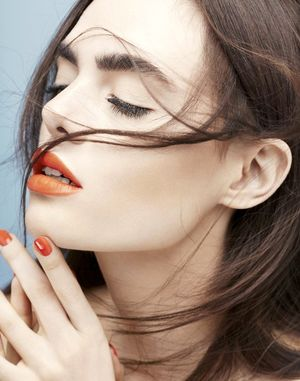 4 Copy-Worthy Beauty Looks Using This Season's Hottest Color