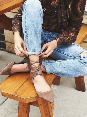 #TuesdayShoesday: Shop Our Favorite Neutral Lace-Up Shoes