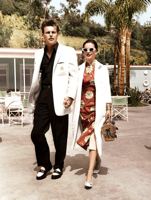 Actors Natalie Wood and Robert Wagner ooze midcentury style while strolling in California.