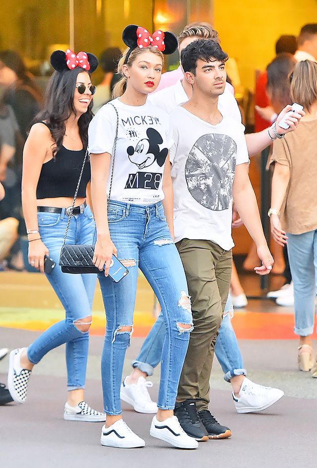 The Best Off-Duty Outfit Ideas From Celebs at Disneyland