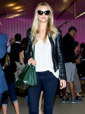 Rosie Huntington-Whiteley's Smart Airport Uniform