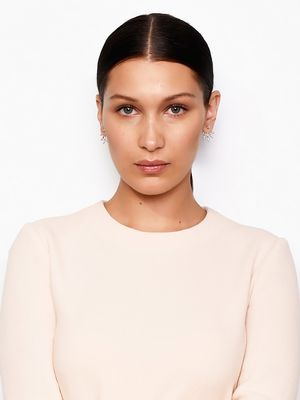 How to Get Bella Hadid's Slick Center Part