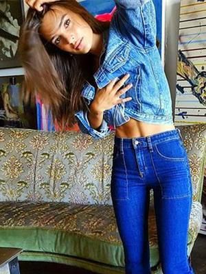 How Emily Ratajkowski Styles Flared Jeans