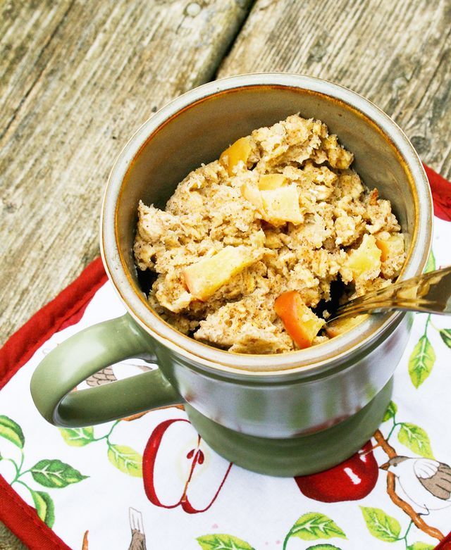 """Baked"" Oatmeal in a Mug"